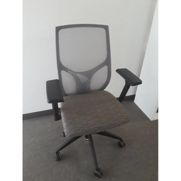 Vault mesh back chair