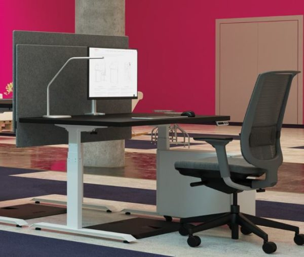 "Height adjustable desk 23""x 34"""